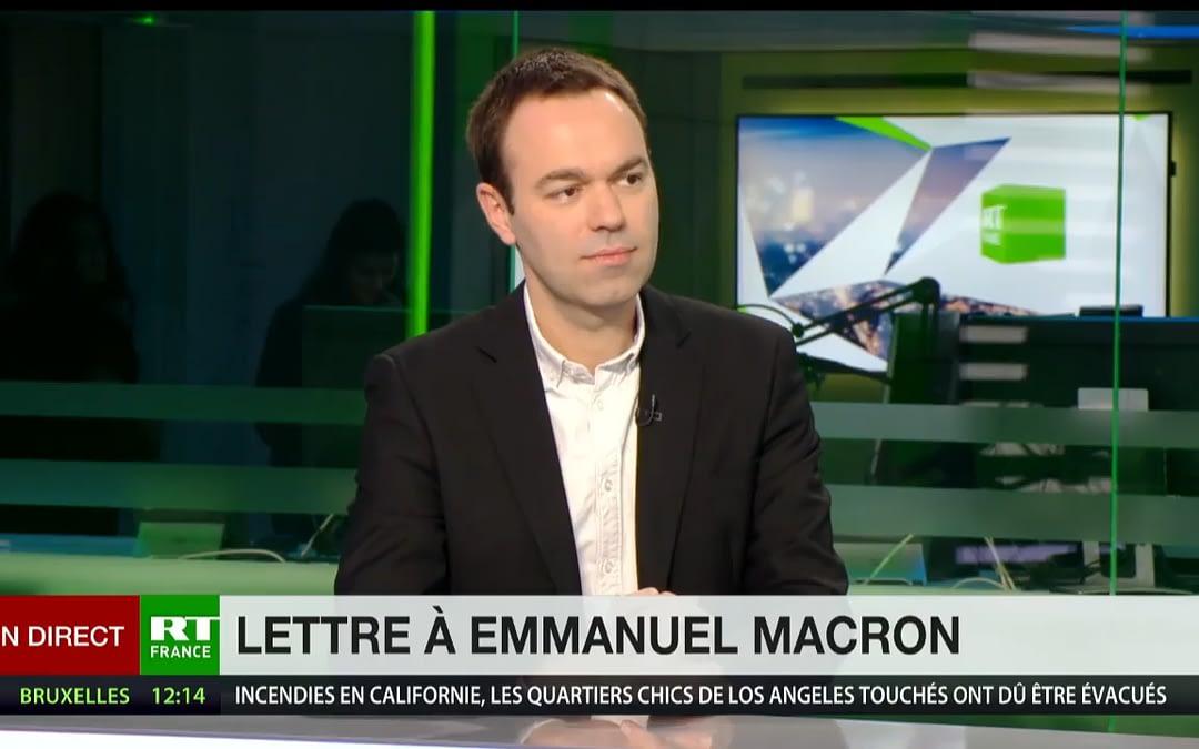 Des gilets jaunes réclament une rencontre avec Macron.